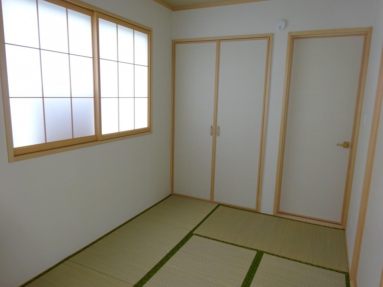 リビング横 和室5帖