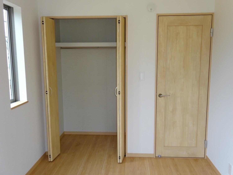 2階西側洋室5.5帖 収納