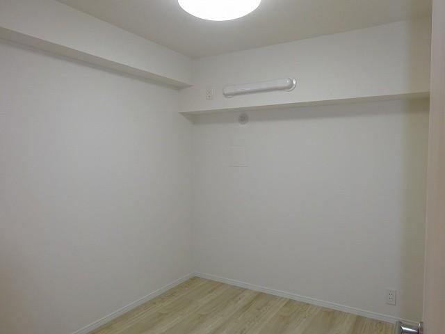 廊下側洋室約5帖 エアコン配管