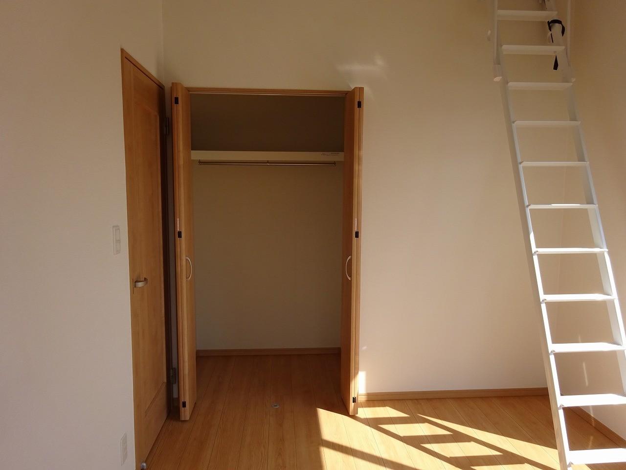 2階西側洋室6帖 クローゼット