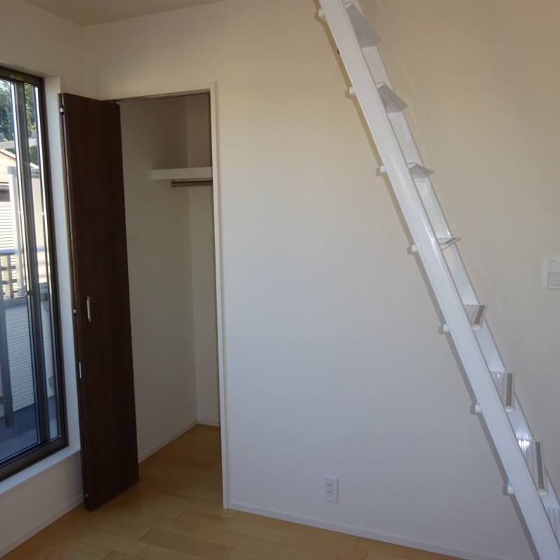 2階東側洋室5.25帖 収納