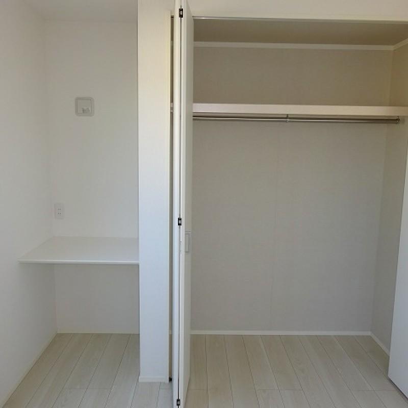 2階洋室5.25帖 カウンター・収納
