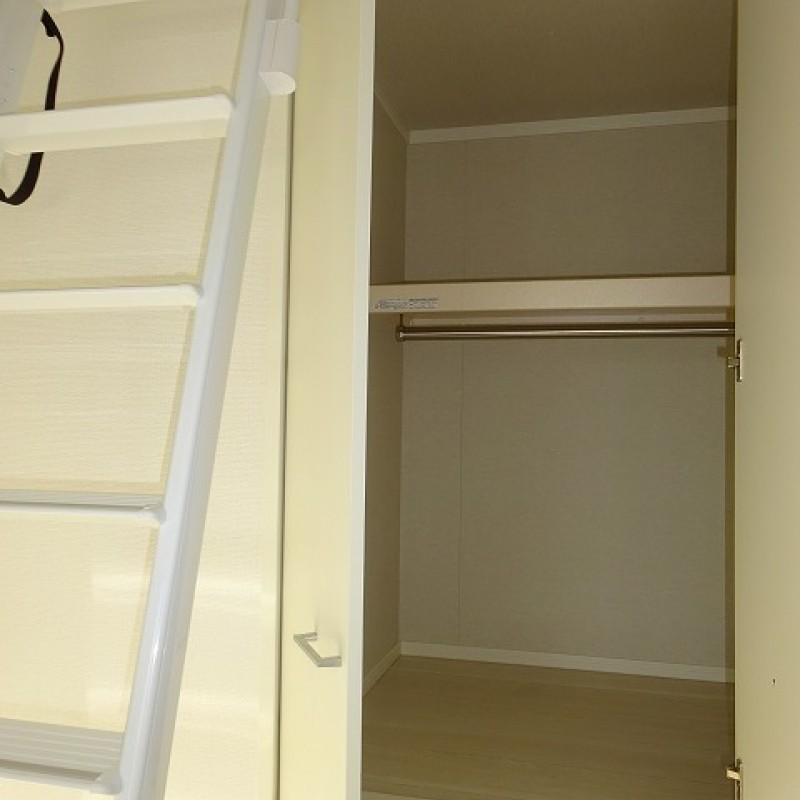 2階洋室4.5帖 収納