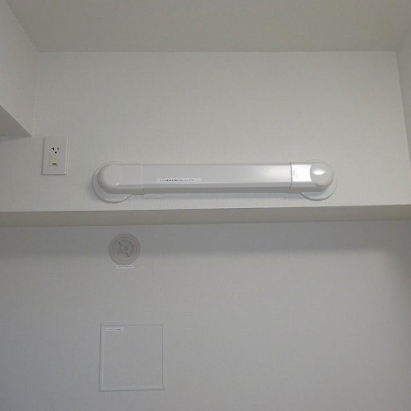 廊下側洋室約4.5帖 エアコン配管