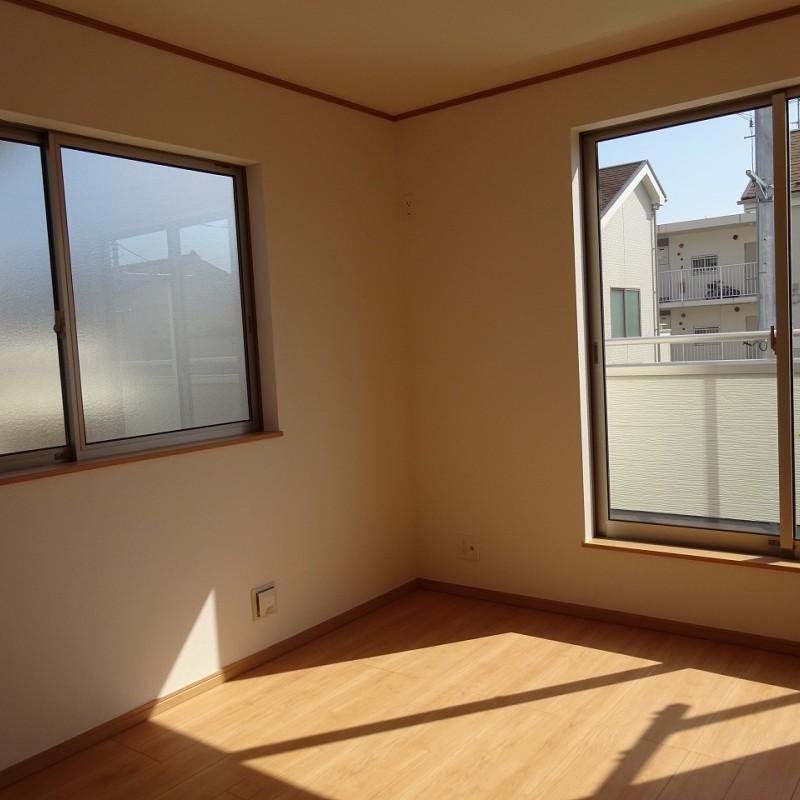 2階東側洋室6帖 2面採光