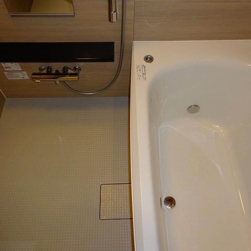 ワンプッシュ排水栓 カラリ床