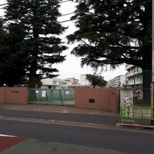 狛江市立緑野小学校